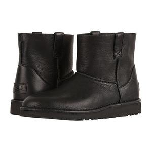 UGG 女士短靴 #Black
