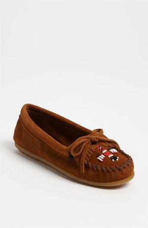 迷你唐卡(Minnetonka) '雷鸟' 软皮平底鞋-棕色 #Brown