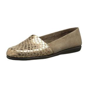 爱柔仕(Aerosoles) 女式一脚蹬平底鞋 #Taupe Snake