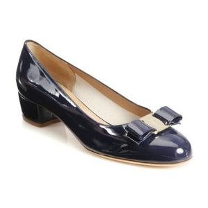 菲拉格慕(Salvatore Ferragamo) Vara Patent 女式蝴蝶结单鞋 #Oxford Blue