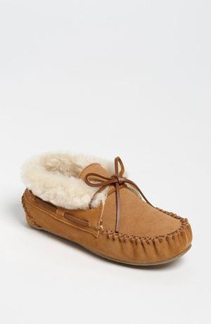 迷你唐卡(Minnetonka) Chrissy 拖鞋 Bootie 女士 #肉桂色麂皮 #Cinnamon Suede