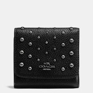 蔻驰 女士抛光粒面皮革短款钱包 #DARK GUNMETAL/BLACK