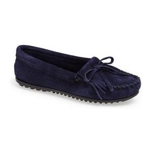 迷你唐卡(Minnetonka) 'Kilty' 麂皮软皮平底鞋-海军蓝 #Navy