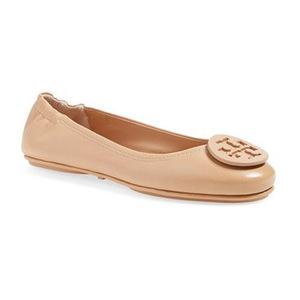 汤丽柏琦(Tory Burch) 'Minnie' Travel 芭蕾平底鞋 with Logo (女士)-Light Oak 皮制 #Light Oak Leather