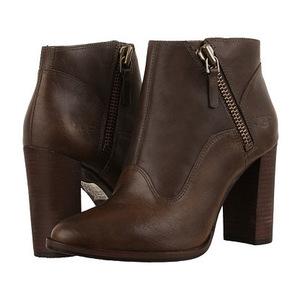 UGG 女士短靴 #Walnut