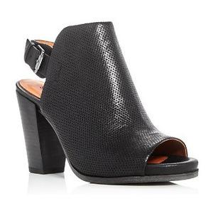 Gentle Souls 女士真皮凉鞋 #Black