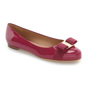 菲拉格慕(Salvatore Ferragamo) Varina 真皮平底鞋 #暗粉红 Patent #Dark Pink Patent