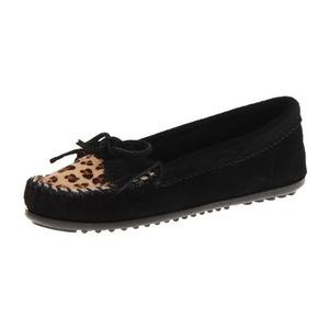 迷你唐卡(Minnetonka) 女士豹纹 Kilty 豆豆鞋,黑色,5 M US-黑色 #Black